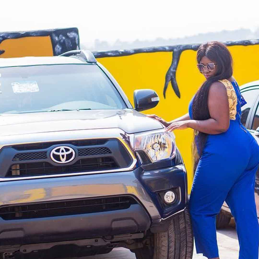 Tracey Boakye gifted with new 4x4 car from boyfriend