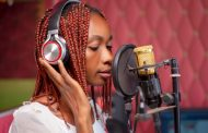 Get Familiar With New Songstress, Vviel